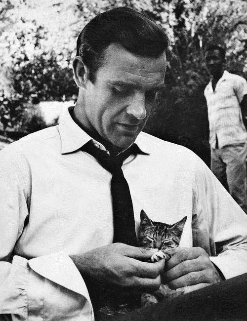 Flashback Friday! On the set of From Russia With Love: shaken, not furred. #007, #jamesbond http://t.co/1Ouk2kf2Gj