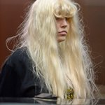 """@nypost: Amanda Bynes showed up in court today looking like this http://t.co/ddsyWgg2Zd http://t.co/36Ewt0e8SL"" what"