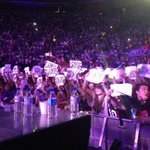 RT @paulyhiggins: This was so amazing to see all the signs go up. Well done Madrid. Great show. http://t.co/GhDXUlwIjm