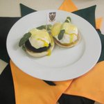 """@AYBSNorthampton: And here it is! The green, black and gold breakfast! Come on you Saints! http://t.co/3TYKjOfCwY"" love it!"