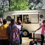 Our friends @LouisvilleGrind are already slammed. Burgers for breakfast at the Douglass Loop Farmers Market. http://t.co/JRQLwITwJz