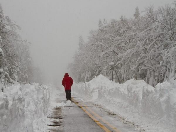 Did you see that @SkiWhiteface had almost 3 feet last weekend? Check it! http://t.co/T6mZwiXKsR