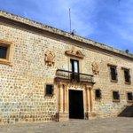 En 1697 fue terminado el Ex Convento de la Soledad,hoy Palacio Municipal de la Ciudad de #Oaxaca. #TwitterOax,#México http://t.co/q1j9ugA6Kf