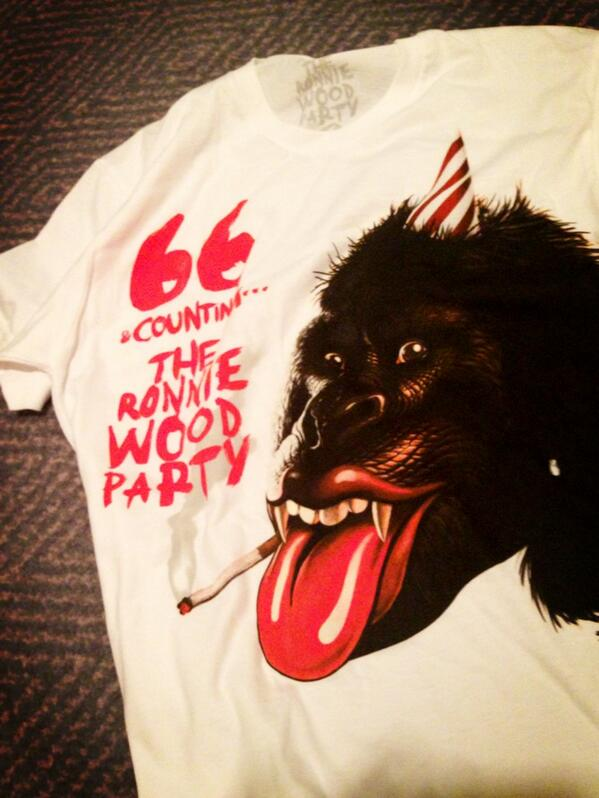 RT @ronniewood: Everyone wore these to my party! Off to party number 2 now :) http://t.co/nhKCbrR51S