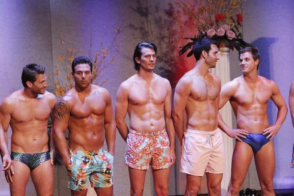 RT @BacheloretteABC: TONIGHT, the men bare ALL to win our Bachelorette's heart! Retweet if you'll be joining us! #TheBachelorette http://t.co/PccO6Pz0ir