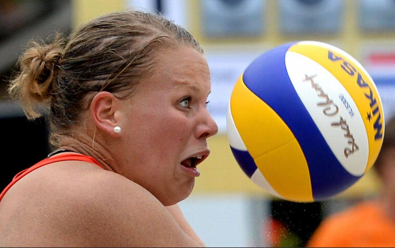 That moment when you rethink today's plan to play volleyball -> http://t.co/RU9Lfwumty