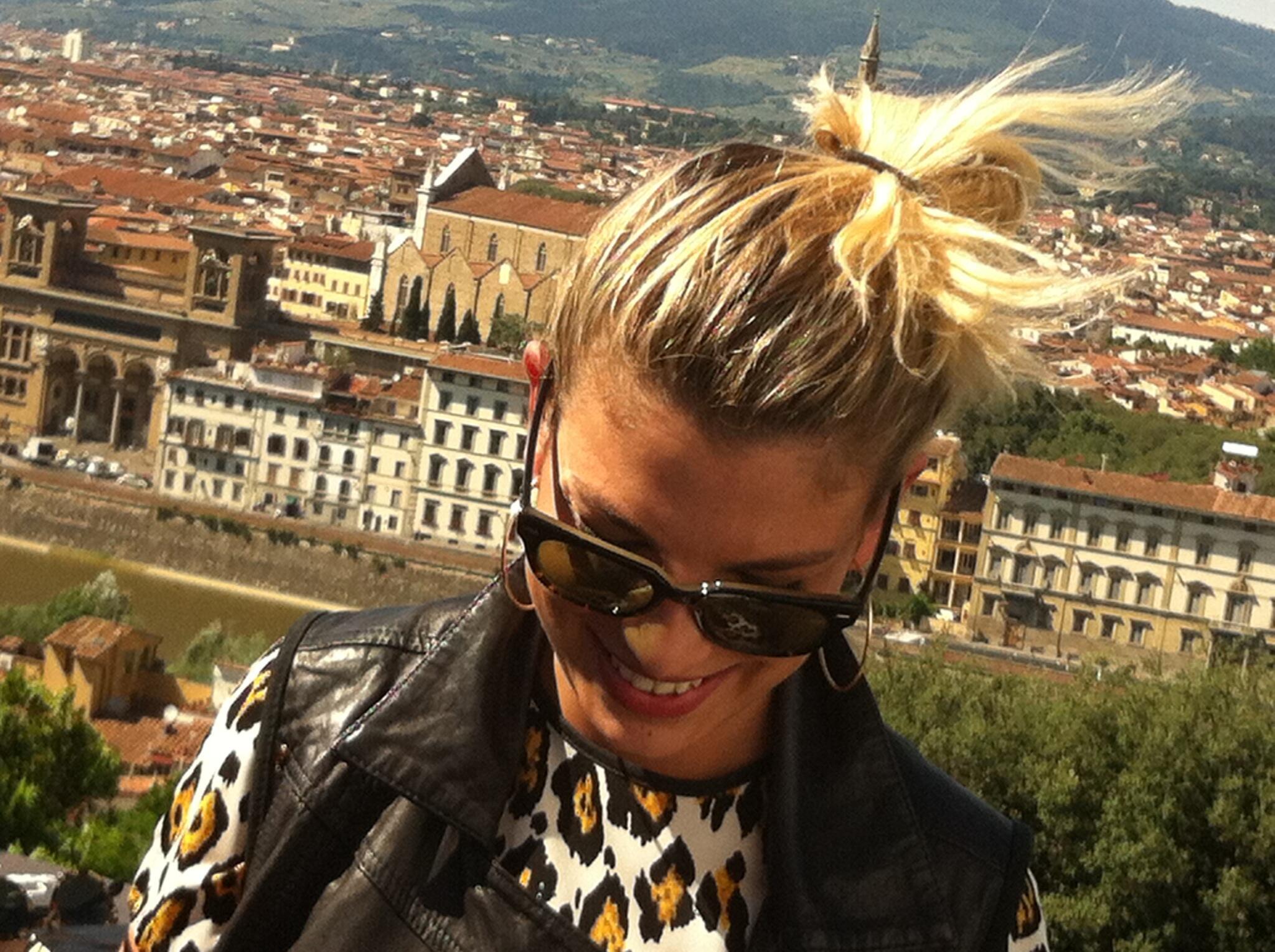 """#Emma fa fuori tutti nella categoria """"Wonder Wonan @MarroneEmma #ItalianMTVAwards http://t.co/uKcAIG5e0C"""