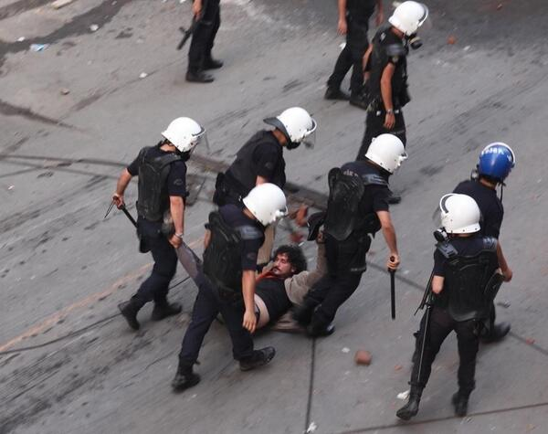 Turkish #journalist @GokhanBicici detained today. Here is a pic: http://t.co/OJTIJ7nHDL @bbcturkce