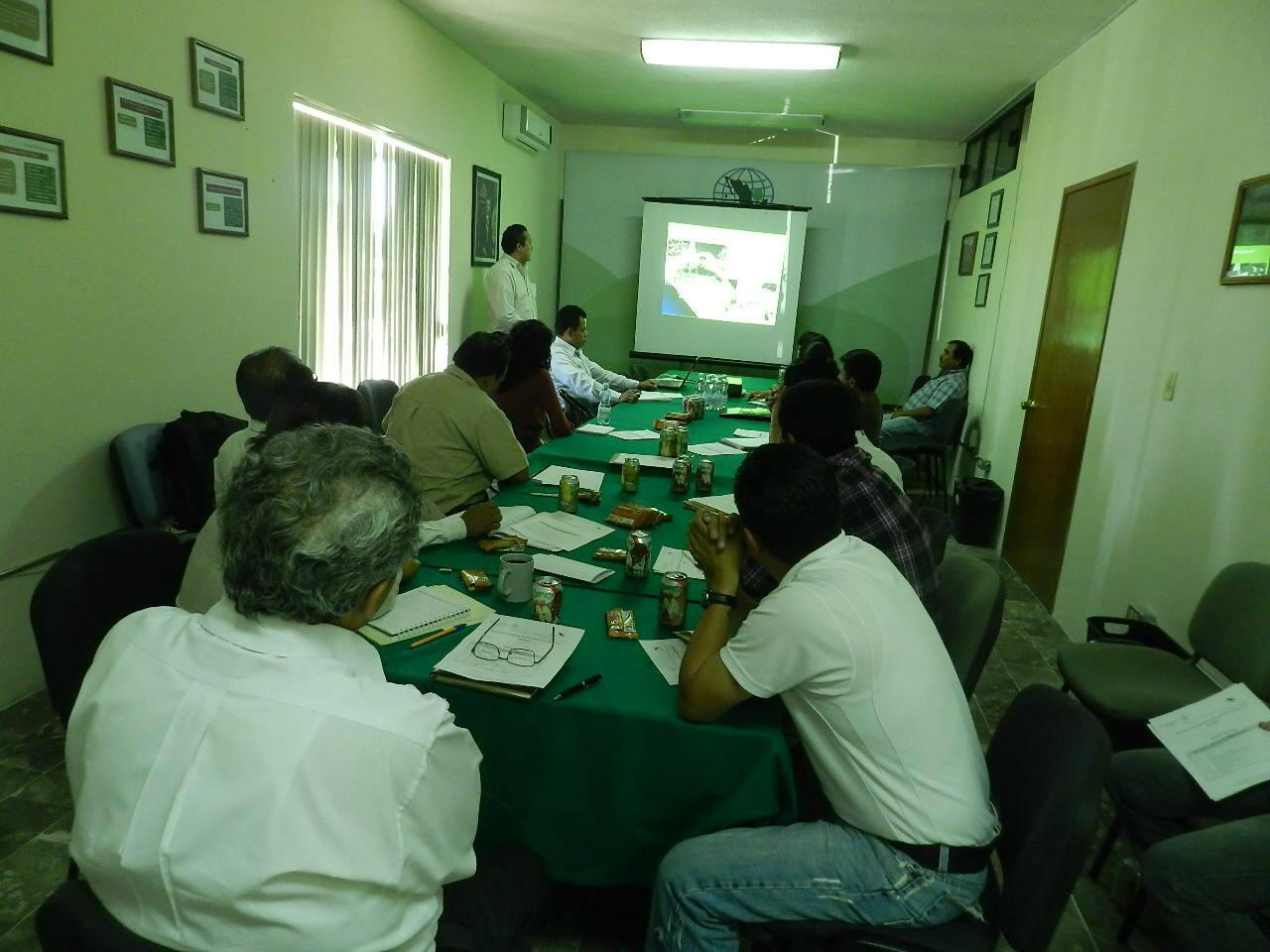 Reunión Estatal de Productores de Planta en Hidalgo. http://t.co/CnPY2YnS0K