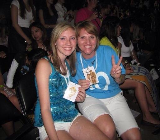 #JBMemoryBook 1st Row at the concert in San Antonio! 8-13-09 http://t.co/xXgEDSTGeg