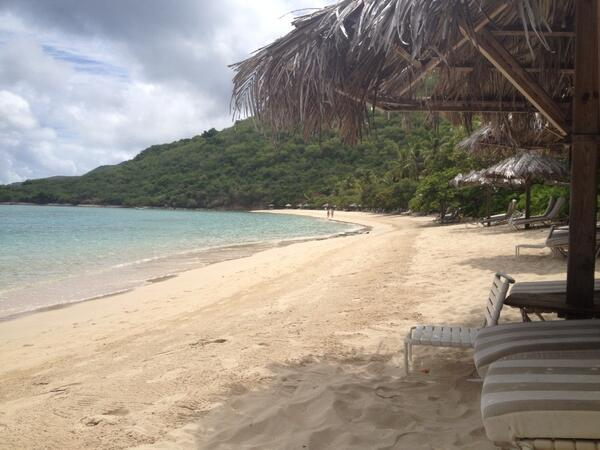 RT @CMurphyBirchall: Woke up in paradise this morning @azurecollection @RosewoodHotels #LittleDixBay http://t.co/phHQhVStb8