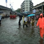 Heavy rain hits Mumbai hard; waterlogging in low-lying areas. Send us your pics #MumbaiRain