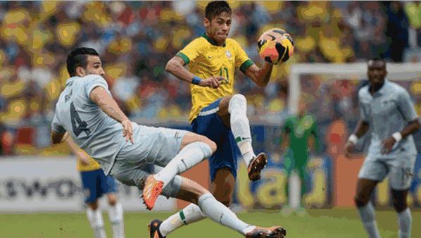 Aksi Neymar yang jadi pemain kunci kemenangan team nya 3-0 atas Perancis.. http://t.co/kIKlJ7jMyS