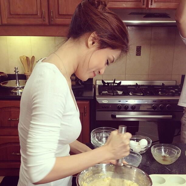 RT @ToniGfanpage: Toni Gonzaga - baking naman siya kapag may time http://t.co/7ONWEa4TwI