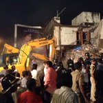 Building partly collapses in Mahim, Mumbai; upto 20 trapped, claim locals http://t.co/q13fnSflXJ