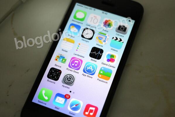 [iOS7] Nova home screen em português: http://t.co/J4MvHWZ8EQ