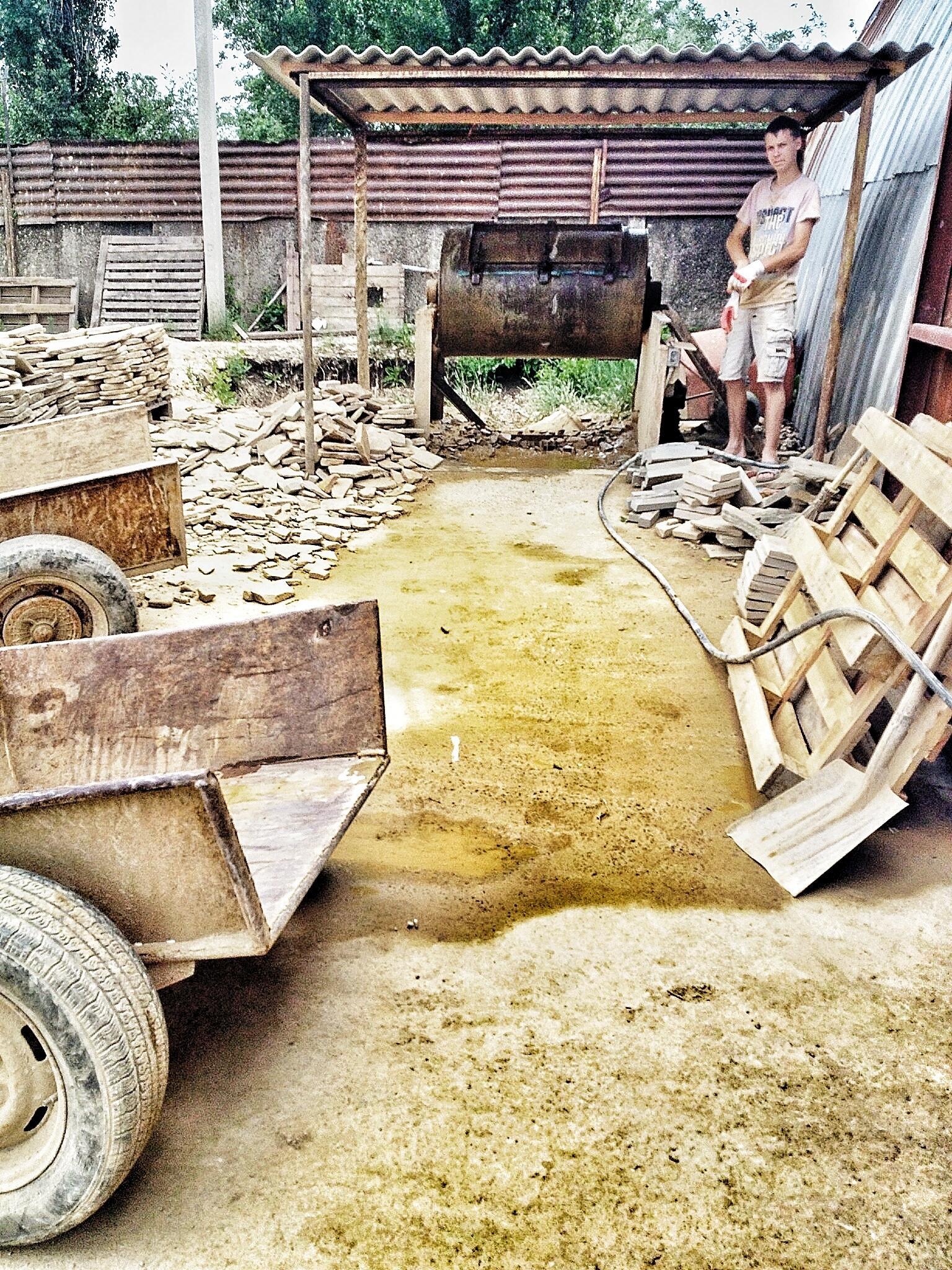 Оператор пьяной бочки * #песчаник #Айташ #Крым http://t.co/Sliho9Sq9T