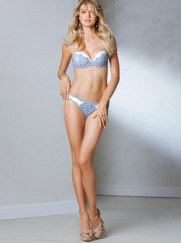 So sexy!! RT @VSangelslove: @LindzEllingson NEW! Victoria's Secret Lingerie - 2013 http://t.co/UEPVJYuD8y""