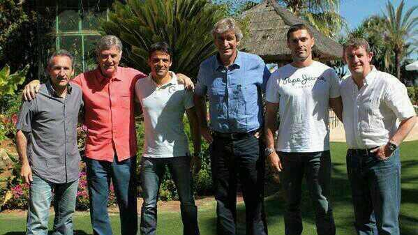 [Photo] Pellegrini's Assistant and Staff. #MCFC http://t.co/XJI7jWuhcV
