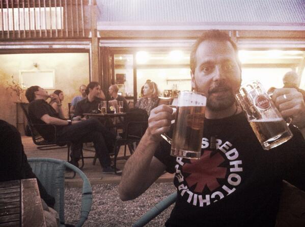 RT @sergiofalces: El nuevo @LePastis1 molaaaa!!! @cervezasambar también!! #Zaragoza #Aragón #Río #Ebro #Cerveza #Ámbar http://t.co/weSoxa8IO6
