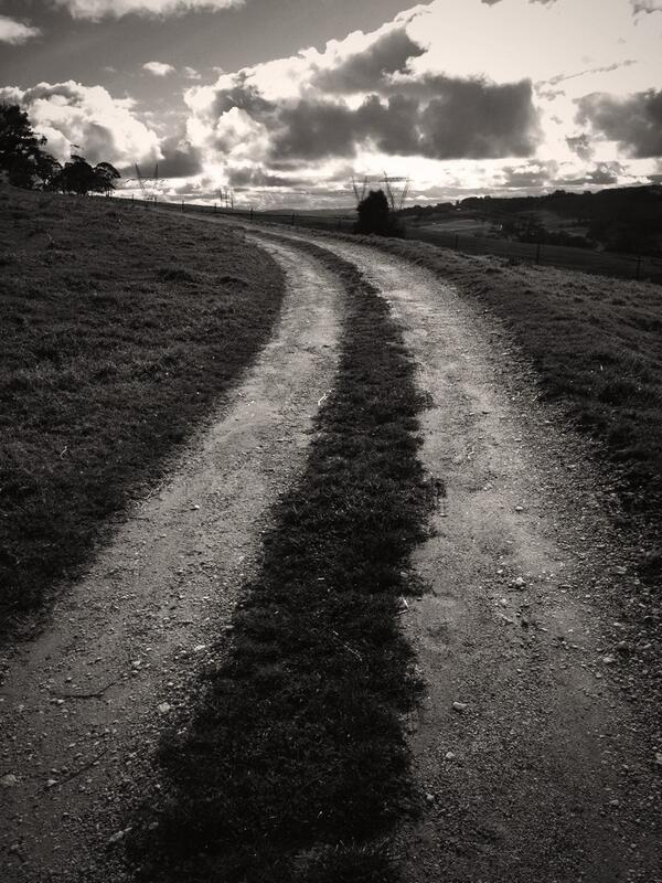 Road home. #tweetedfarmwalk http://t.co/PSzbhOyDTH