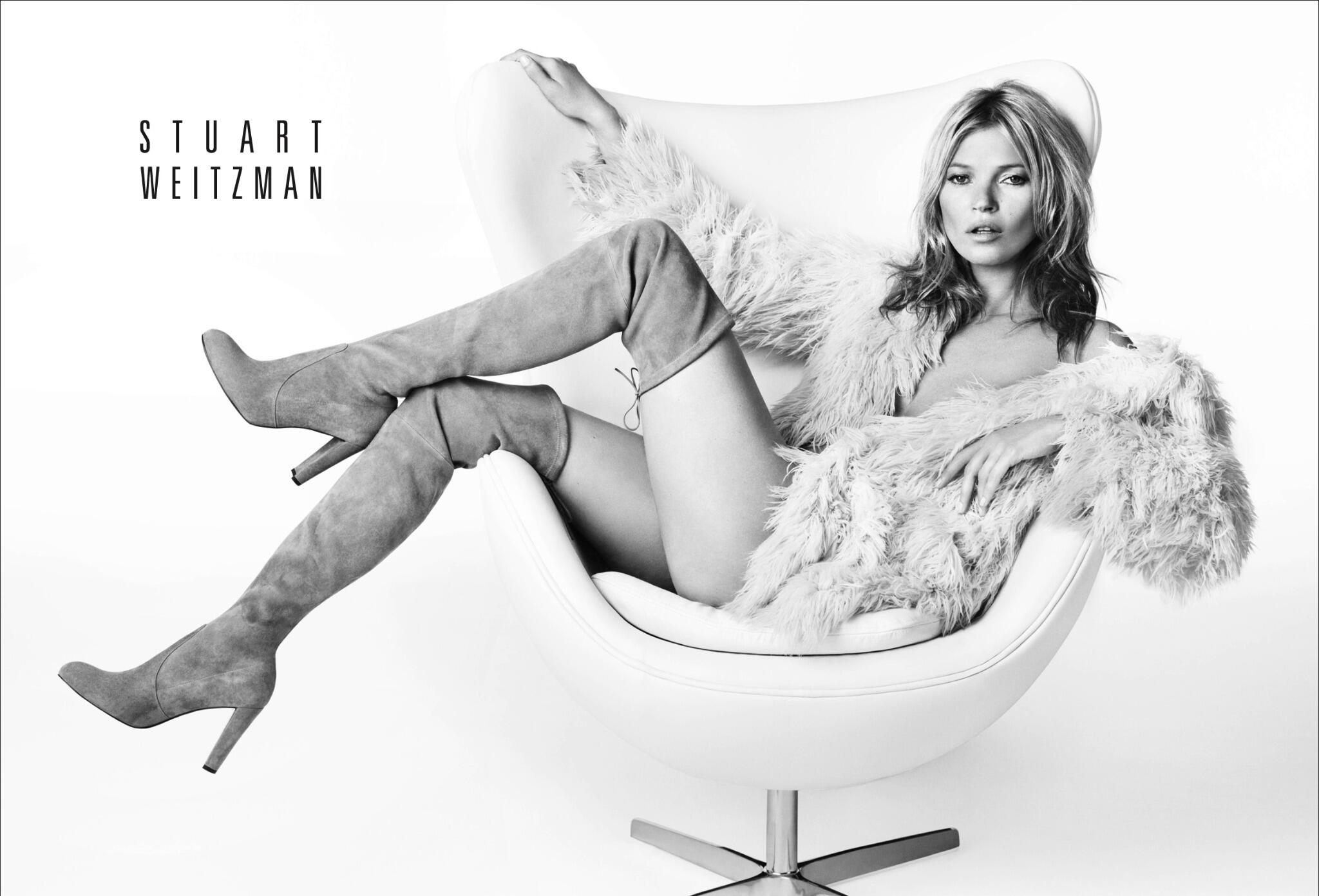 Kate Moss kicks up her heels for @Stuart_Weitzman's autumn 2013 campaign. (Photo by Mario Testino) http://t.co/dEqzrczpzF
