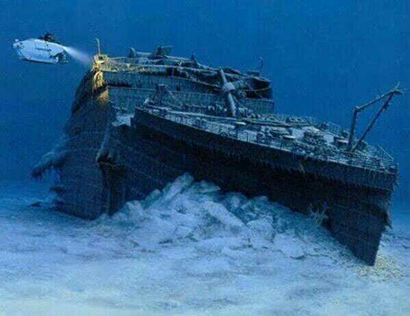 RT @detrasdelcamara: El transatlántico 'Titanic' hundido en el fondo del mar http://t.co/tCJ33YcyNT