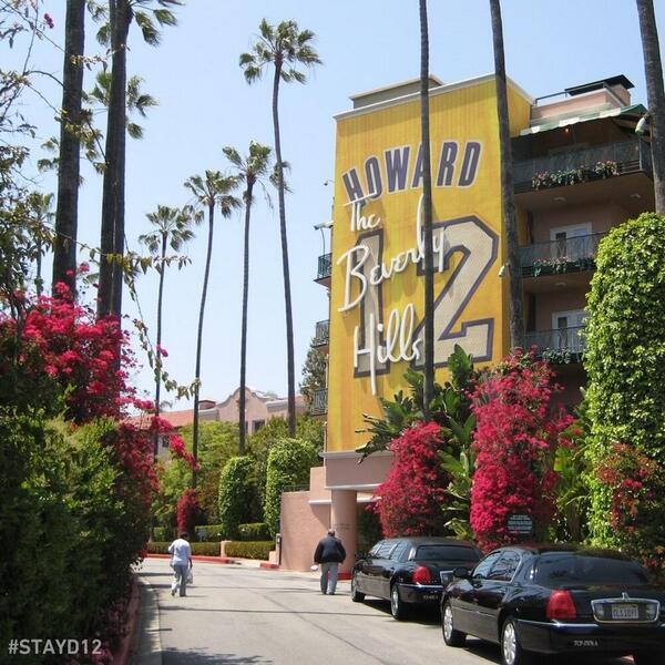 The Lakers' #STAYD12 campaign on buildings is funny enough -- AND they're not even real??? http://t.co/XgEIh8JMAA