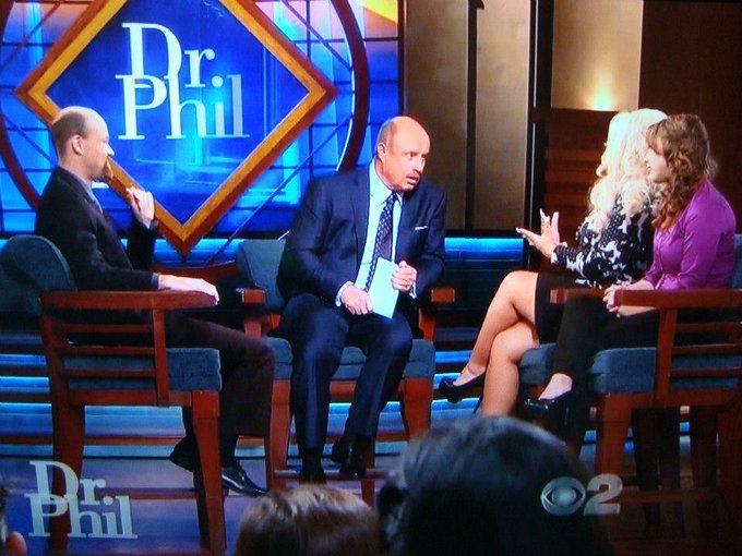 "showing some leggggg on the Dr Phil show todaaaay <333 <a class=""linkify"" href=""http://t.co/jIpfmkrX1e"" rel=""nofollow"" target=""_blank"">http://t.co/jIpfmkrX1e</a>"