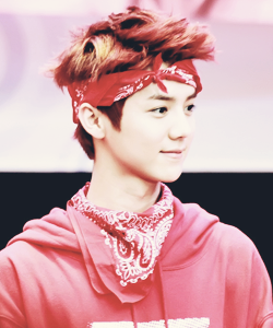 luhan i love you http://t.co/lhIYaAgblk