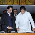 RT @PTIofficial: @ImranKhanPTI at the National Assembly signing the National Assembly register #KaptanReturns http://t.co/uM6o3IeFRQ