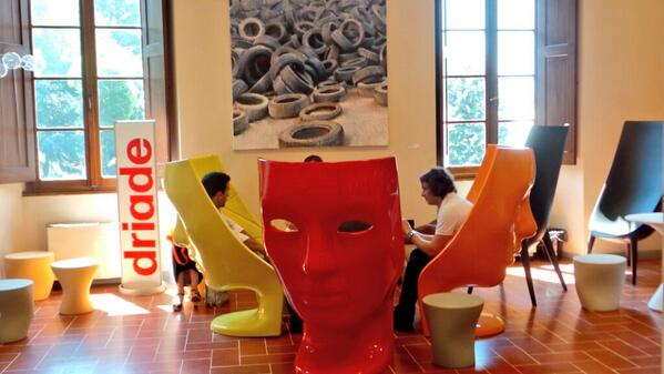 Lo spazio @driade a #pitti84 con le sedute Nemo di @fabionovembre #design #fashion http://t.co/g2QtewT2HX