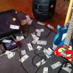 """@SensiNattyKid: People were ""Making it Rain"" for Super Reggae Man yesterday @ Oceanfront Bar. #JayTrue http://t.co/QVyRlJEg9Z"" $ well spent"