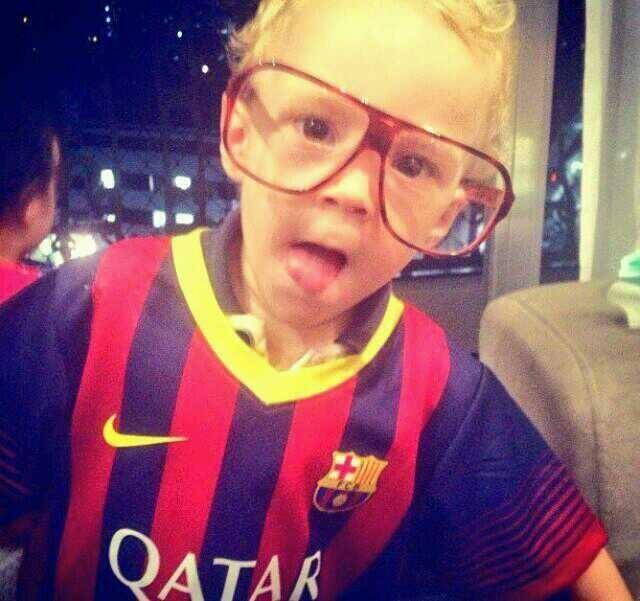 FOTO: Anak Neymar, Lucca memakai Barça Kit. [barzaboy] #BarcaPic http://t.co/znsJicdwX2