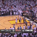 That hand by the ABC logo is me! Hahaaaaaa When Ray Allen Splashed it! http://t.co/6pajqR6DIA