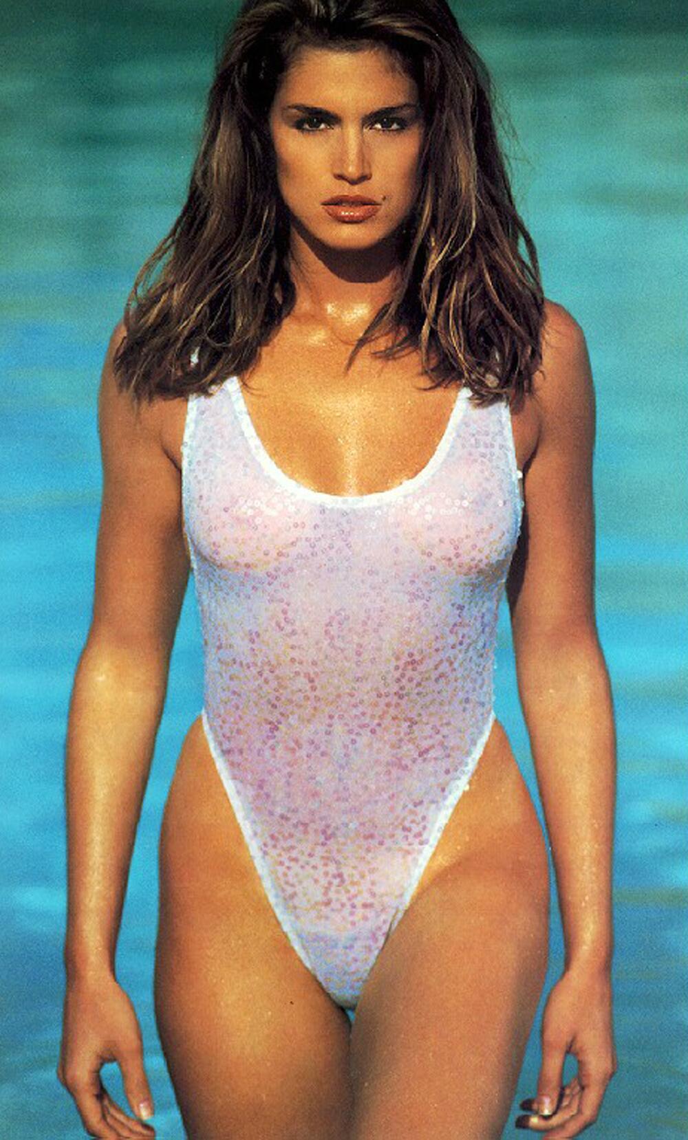 Прозрачный купальник на девушке 16 фотография