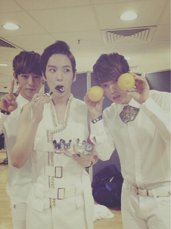 Oh~ Live on earth in Hongkong Lets begin! Haha http://t.co/HEzqmUd1RC