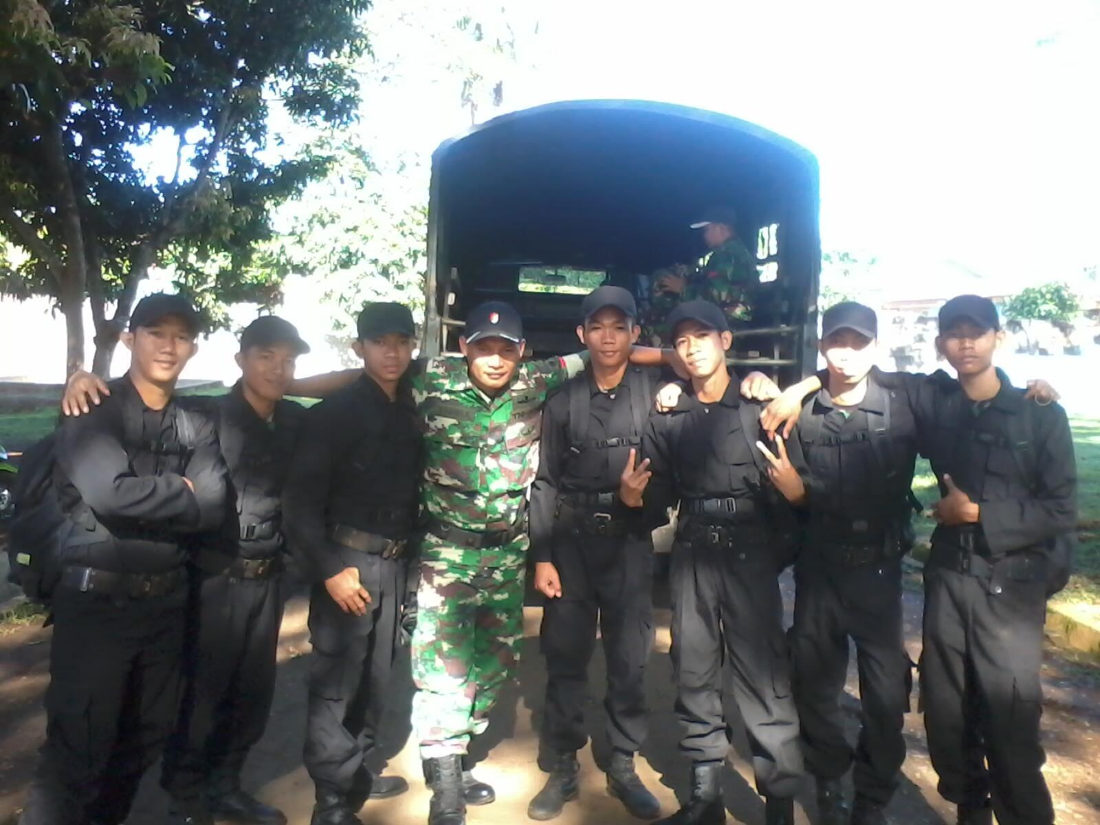 . TNI AD 700/RAIDER http://t.co/daeqpyCkc6