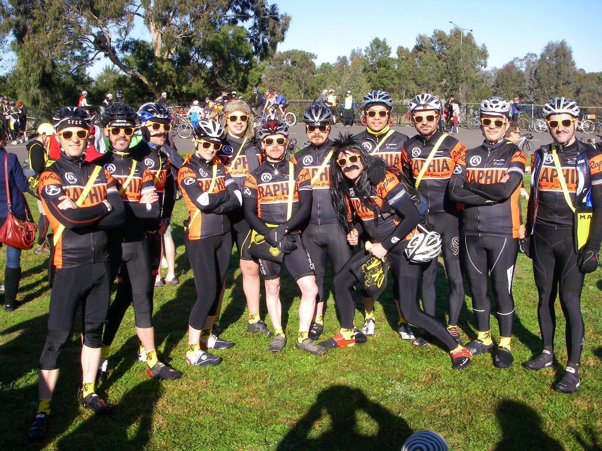 Team @raphiaracing line up for the start of #melburnroobaix #hipsterfree http://t.co/D2uMdnhS78