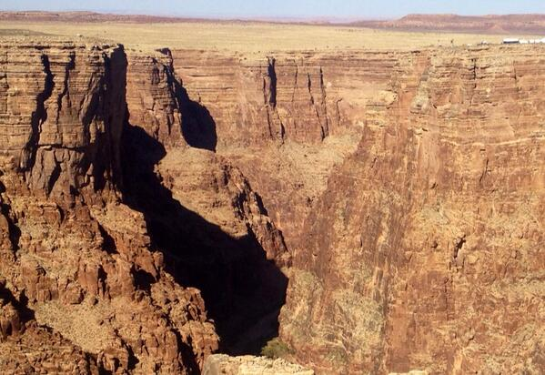 Denham Hitchcock (@DenhamHitchcock): This is the gap Nik Wallenda is attempting to cross at the Grand Canyon. No net. No harness. 11am news live http://t.co/LiTFZ5cfqx