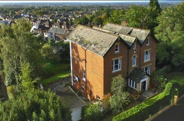 New today - not on the web yet - A 5000 sqft 7 bed with annex with far southerly views - Reigate\Redhill area £1.4m http://t.co/DWZGzdSiOA