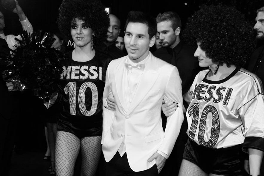 [Picture] Are you stoned? Lionel Messi looks weary eyed at a Dolce & Gabbana party