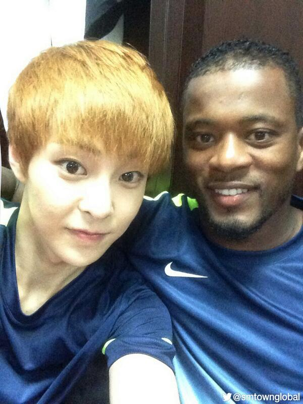 #XIUMIN(from #EXOM) & EVRA(from Manchester United) @ 2013 Asian Dream Cup in Shanghai http://t.co/EzYcZknfuD
