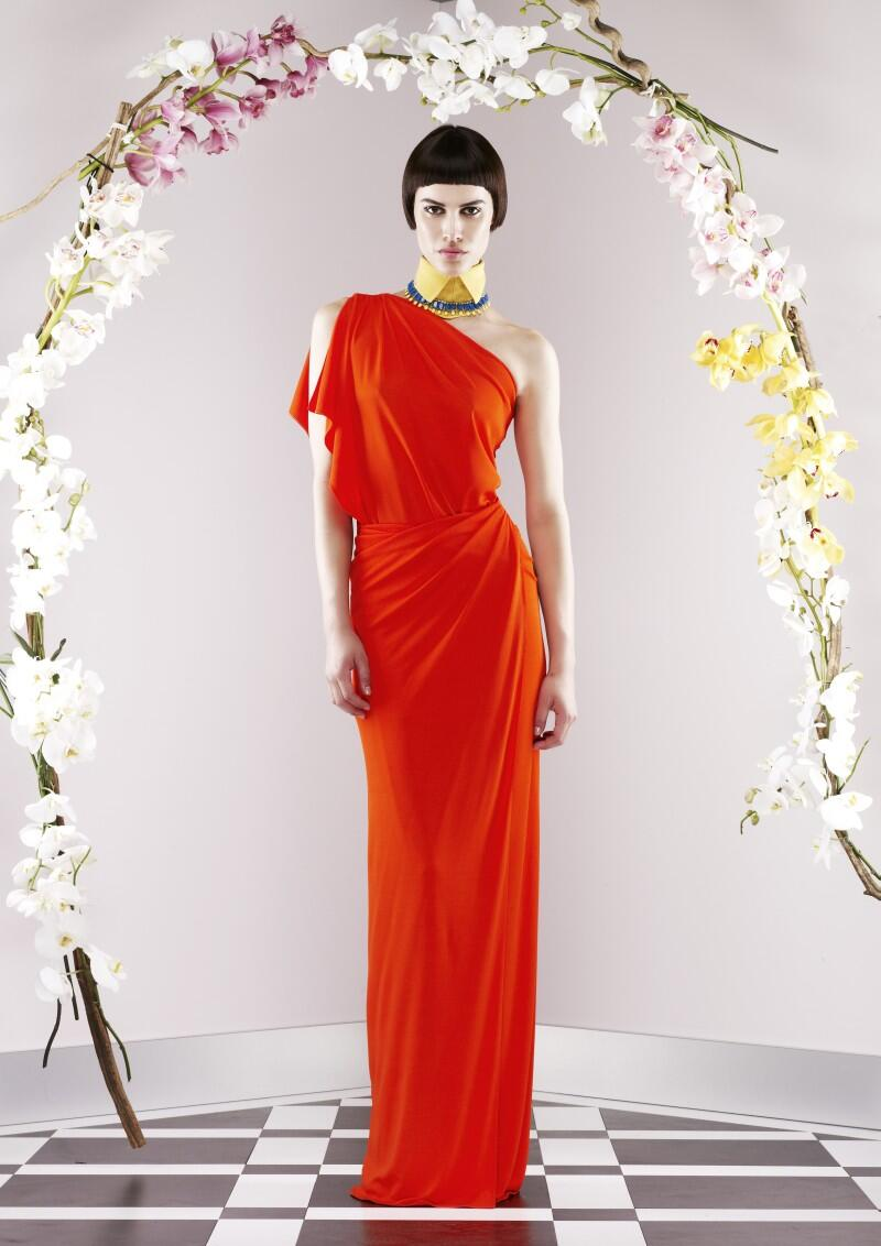 The resort 2014 collection from @Vionnet_1912 features the house's signature draping. http://t.co/IX1Oq1zccc