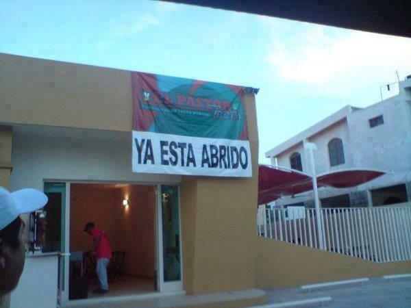 Inauguración de un CDI en el estado Zulia. Es que ni de vaina, entro ahí!! http://t.co/UQQrCB3xls
