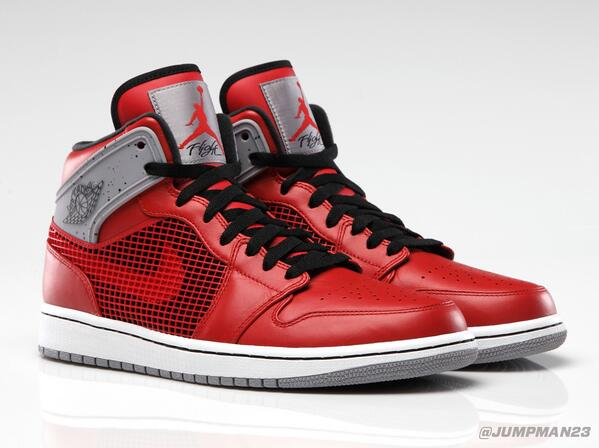 Iconic elements of the AJ IV come to the shoe that started it all when the 'Fire Red' AJ 1 '89 hits this Saturday: http://t.co/c9wQWVy402