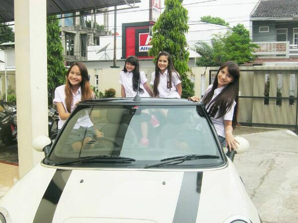 Cassandra sheryl lee (@cassandrasleee): @shooting with @WINXS_GB  new sinetron series@sinemart_ph @bellagraceva_ap @steffizmr15 @salshaabilaa http://t.co/hqU7i99K89