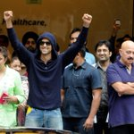Hrithik Roshan discharged from the hospital. Leaves for home after his brain surgery. He did a little jig too! http://t.co/CEBgq329eE