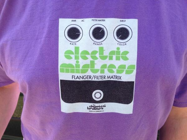 @eddychemical Here is the front print,not one of the greats...proper rave lilac though http://t.co/bkY6o2b6HL