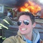 """RT @Aciumes: """"se sua escola explodisse, vc faria oq?"""" http://t.co/W5EFyNRlZO"""